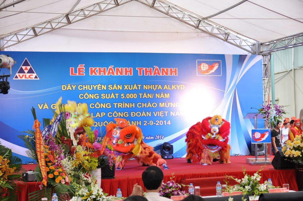 Chụp ảnh lễ khai trương tại Hà Nội