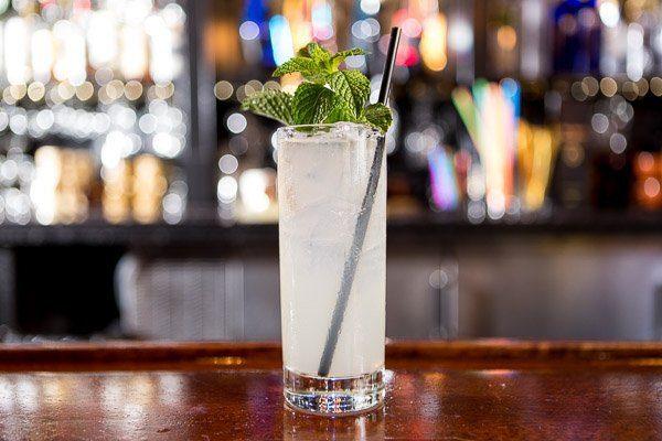Chụp ảnh đồ uống cho quán bar